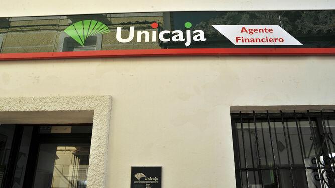 En Villaluenga atiende Unicaja un agente financiero como autónomo.