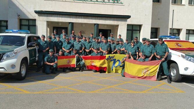Los agentes de la Usecic posan antes de iniciar su viaje a Barcelona.