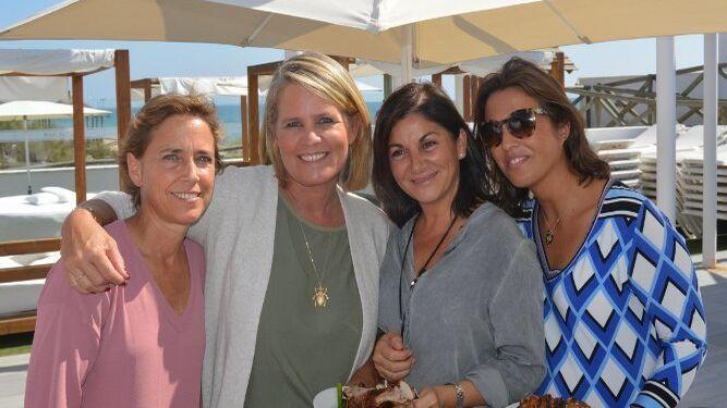 Paula Serrano-Suñer, Ann de Clerck, Rocio de la Calle y Marta Muñoz, coincidieron en el festejo.