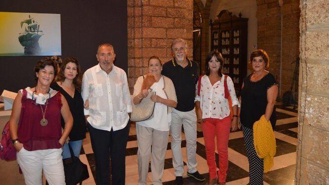 Cristina Velasco, Pili Castro, Salvador Domínguez, Charo Maira, Eduardo Rodríguez, Asunción Rodríguez y Rosa Quintero.