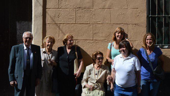 Julio Ramos, Refu Grosso, Alicia Jiménez, Teresa González-Santiago, Tere Rufin, Mila Aragón y Carmen Pries.