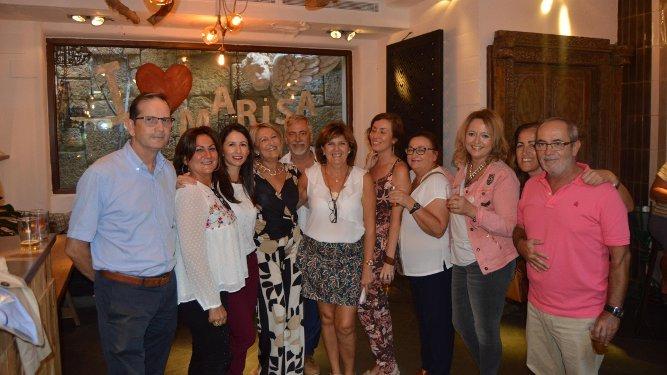 Juan Benítez, María Estudillo, Isabel Galvín, la homenajeada, Pepe Rivas, Carmen Gómez, Ángeles Fernández, Lola Ruiz, Encarna Rey, María Segura, Carlos Perales.