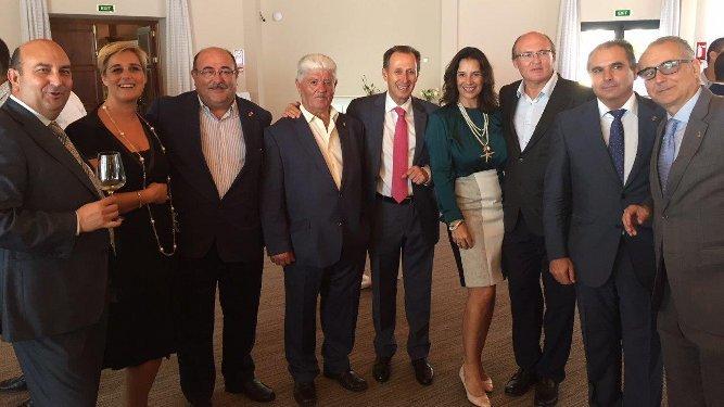 Diego Ramírez, Isabel Fuentes, Juan Jesús Sánchez, Manolo Manguita, el alcalde de Chiclana José María Román, María del Carmen de la Cruz, Luis Chozas, Nicolás Rodríguez y Joaquín Páez.