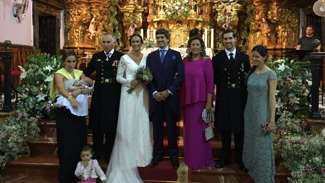 El nuevo matrimonio con José Millán Rodríguez , Margarita Ordóñez Andrey, Álvaro y Margarita Millán, Palma Martínez Guillán y los benjamines Álvaro e Iñigo Pardo.