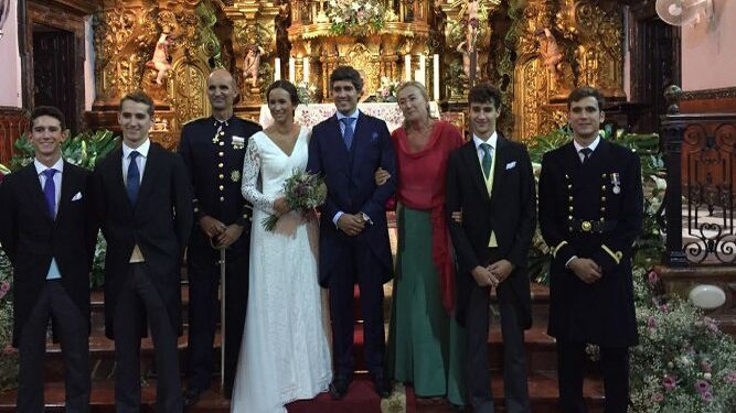 Nacho y Juan Yrayzoz Goenechea, Javier Yrayzoz Díaz de Liaño, el nuevo matrimonio, Mamen Goenechea y Santi y Javier Yrayzoz Goenechea.