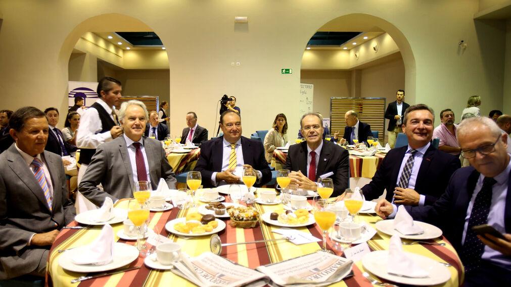 José Luis Blanco, Agustín Muñoz, Tomás Valiente, Ángel M. Nieva, Eduardo González Mazo y Juan Luis Belizón.