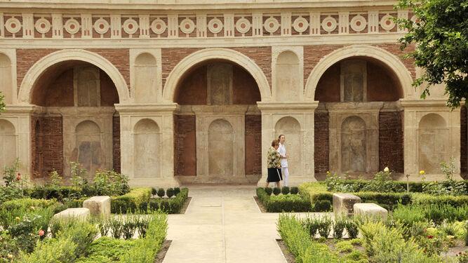 La restaurada Logia de Bornos, en el jardín del Castillo Palacio de los Ribera, obra sobresaliente de la arquitectura civil española del siglo XVI, el pasado martes.