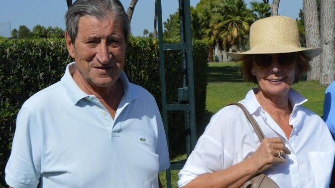 Mariano Bobo con su mujer Reyes Aritio.
