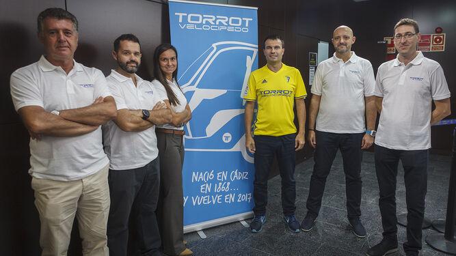 De izquierda a derecha, el equipo directivo de Torrot: Francisco Ramírez, Javier Saura, Cristina García, Iván Contreras, Joan Rodríguez y Jordi Frigola.