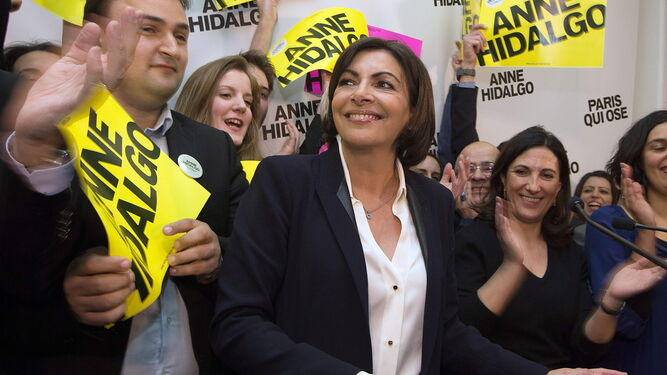 Anne Hidalgo durante su campaña electoral a la Alcaldía de París.