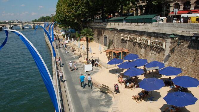 La playa del Sena, una de sus principales actuaciones urbanísticas.