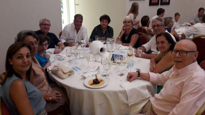José Luis Iglesias, María del Carmen Pérez, Miguel Miranda, Pepi Salado, Purificación Toledo, Jacinto Collado, Santiago y Silvia Domínguez, Carmen Pavón y Margarita García.