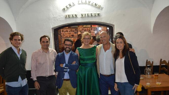 José Luis Treviño, Antonio Rodicio, Jorge Fernández-Portillo, Olga Tey, Pedro Agudo y Elena Franco coincidieron en el festejo.