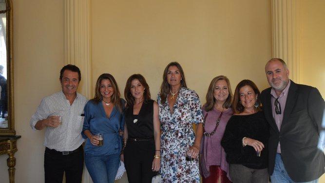 Nacho Grimaldi, Elisa Niño, Silvia Vilaboa, Mamen Martín de Benito, Teresa de la Rosa, Inma Pérez y Antonio Grimaldi.