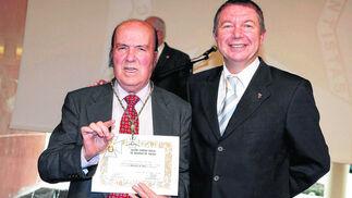 Recogida de la  Medalla de  Oro del Colegio de Odontólogos de Málaga