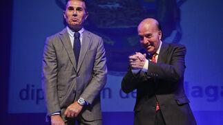 Sergio Scariolo junto al humorista en la entrega de premios de la Diputación de Málaga