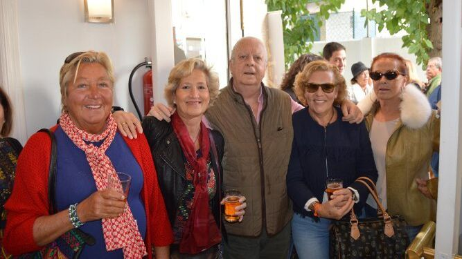 Tere Aramburu, Susi Almagro, Juan Vela Barca, Leonor Marroquí y Mamen Vela Barca.