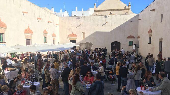 Aspecto que presentaba el patio interior del Castillo durante la Feria del Estero.