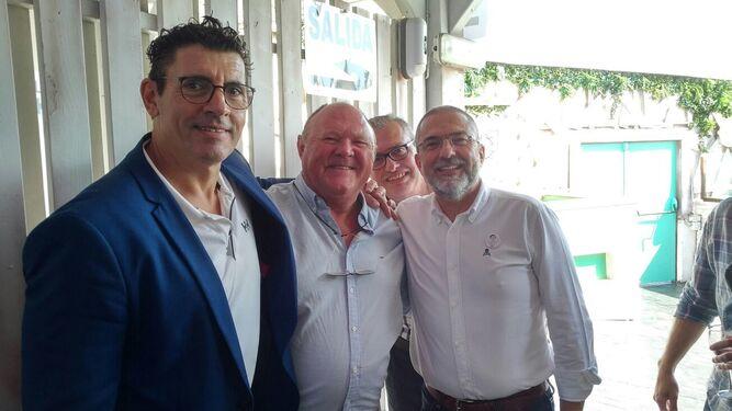 Pepe Córdoba, Víctor Arnedillo y Felipe Meléndez, durante el homenaje.