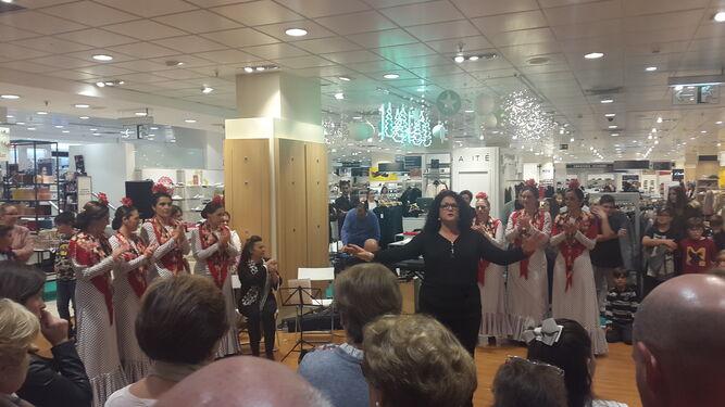 El grupo Taitanto que dirige Carmen Peña, el viernes en el primer acto de la Navidad