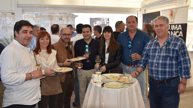 Pablo Adriano Domínguez, Desire Vega, Josemi Díaz, José Manuel Vega, Cristina Pinto, Francisco Morales y Francisco Rufino.