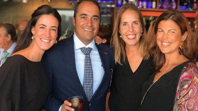 Maisa Gutiérrez, Felipe de Castro, María Rivero e Isa Blanco, durante la celebración.
