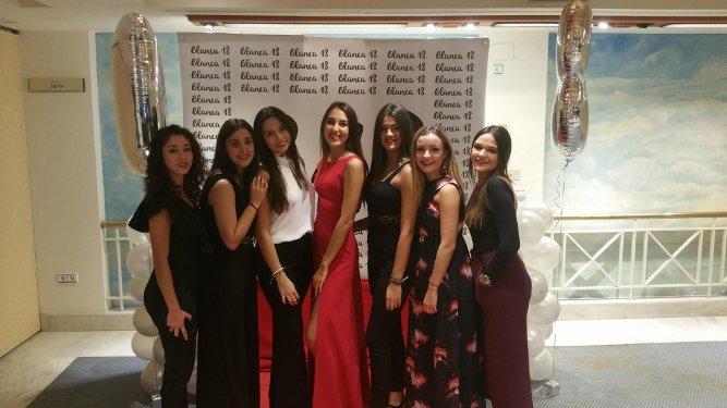 Ana Aquino, Laura Camacho, Belén Cabeza, Blanca Ponce, Mar Chavera, Ana García y Paula Roldán.