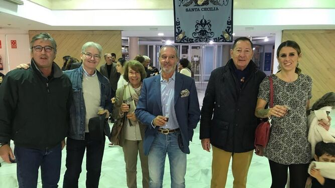 Luis Gómez Macpherson, Juan Carlos Busuti, Keka Raffo, Eduardo Ruiz-Golluri, Javier Parra y María Fernández Lizaso.