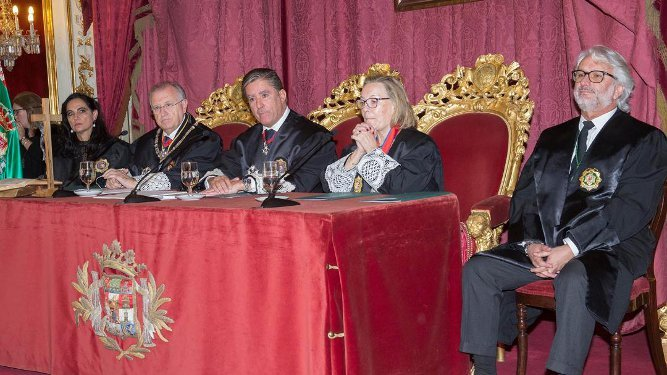 María del Carmen Pérez Sibón, José Blas Fernández, Manuel Estrella, Begoña Rodríguez y Luis Carrasco.