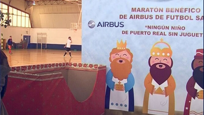 Juguetes' Maratón 'ningún De Niño Empleados El Sin Airbus Organizan PXTOkZiu