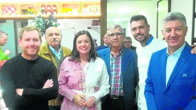Conrado Martínez, Juan Luis Ruiz, Patricia Cavada, Juan González, el propietario Javi González  y Manolo Luna