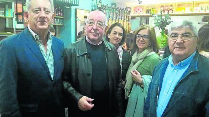 José María Gómez, Francisco García, Alicia y Cristina García-Guaita y Antonio González.