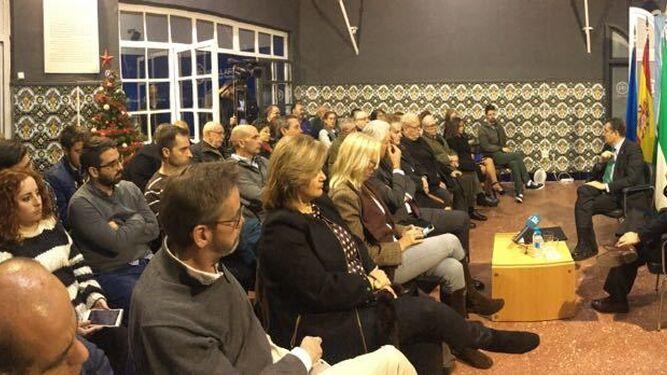 Un momento de la conferencia que pronunció en el PP isleño Antonio Sanz