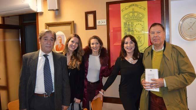 Joaquín Zozaya, Carmen Súnico, Eli Zozaya, Elisa Súnico y Luis Aranda.