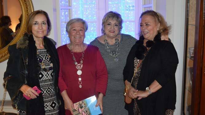 Noni Macías, Julia Román, Amalia Quirós y Milagros Graván.