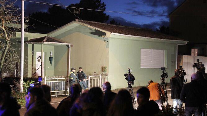 La Guardia Civil custodia la casa en Rianxo del Chicle