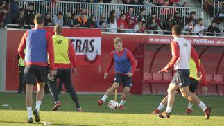 El entrenamiento del Sevilla a puerta abierta