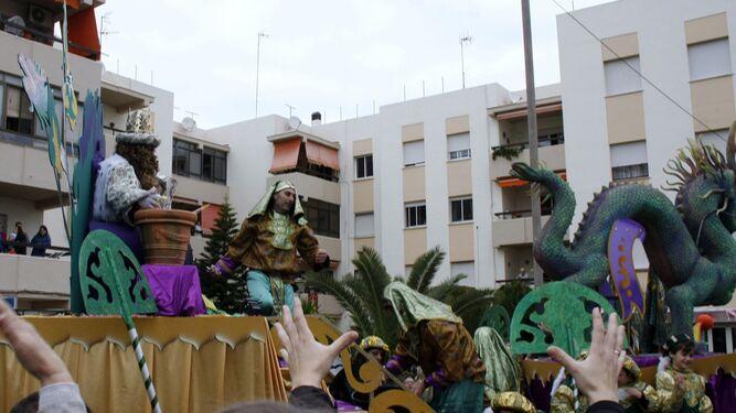 El Rey Gaspar, encarnado por Rafael Contreras, a bordo de su exótica carroza.