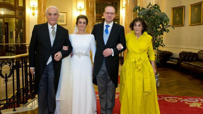 José María Duque y María del Carmen Alcorta con su hija Marta y Lucio Martínez de Salazar Sepúlveda.