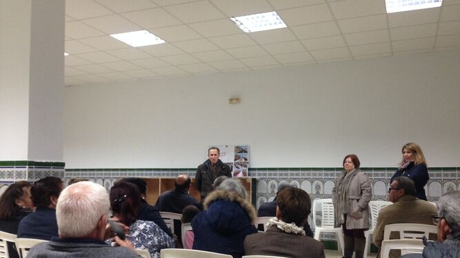 El alcalde detalló ayer la propuesta en la AVV de la Fuensanta.