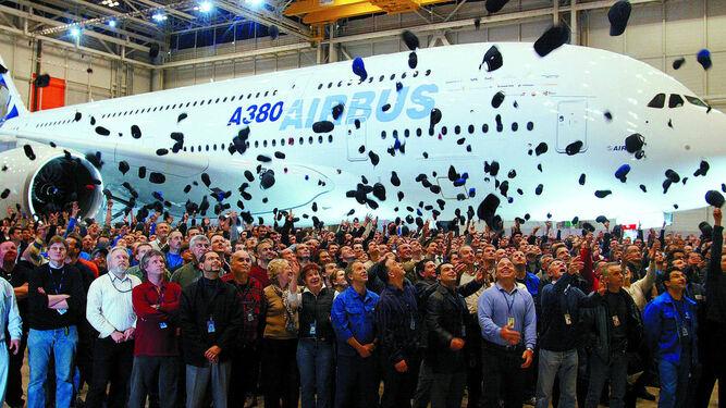 Celebración del primer A380 montado en Toulouse en 2005.