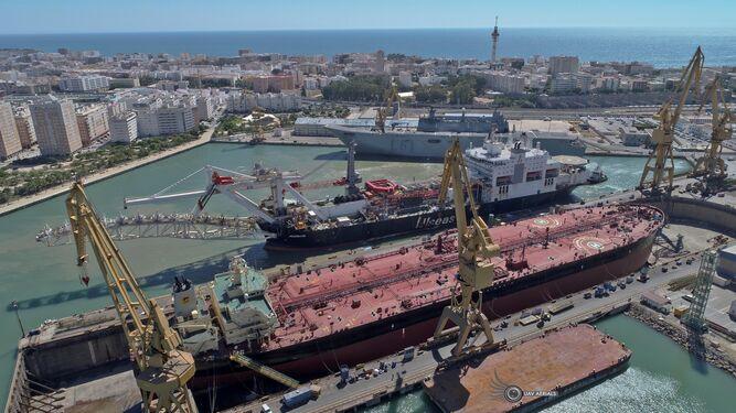 Navantia Cádiz necesitará unos 700 empleados de contratas hasta mayo