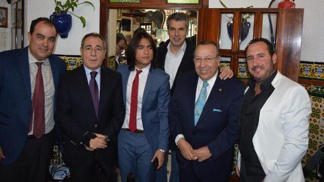 David Fernández, Manuel Martín, el cantante Samuel Serrano, Fran Romero, Paco Cepero y Juan Carlos Gómez.