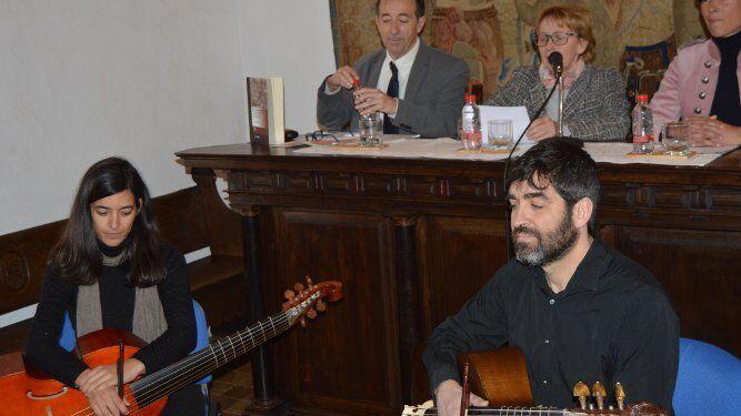 El Duo Colombino formado por Irene Gómez y Juan Ramón Lara, durante el recital.
