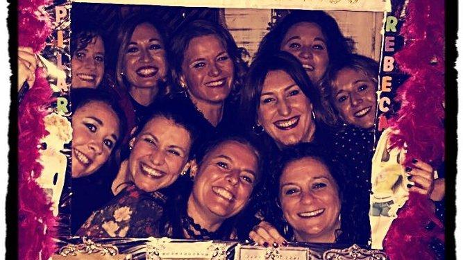 Virginia, Carolina y Pilar Villareal, Rebeca González, Mamen Jorquera, Victoria Ponzones, Patricia Rendón, May González, Mari Cruz Gutiérrez y Noelia Cantero.