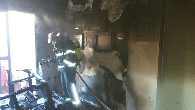 Tareas de extinción y evacuación del fuego