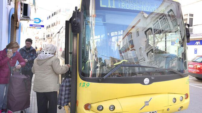 La cifra de viajeros que hacen uso del transporte público dentro de la ciudad aumenta año tras año.