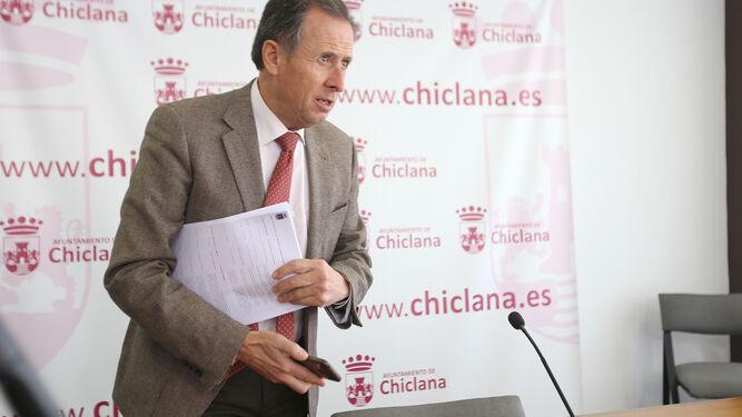 José María Román, ayer en el Ayuntamiento tras su comparecencia ante los medios de comunicación.