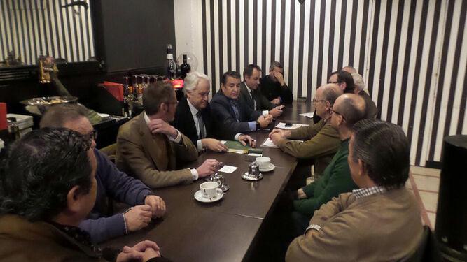 Encuentro de Sanz y otros cargos del Gobierno, con la Plataforma en Defensa de Las Aletas.