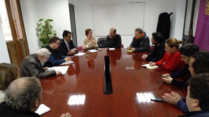 Un momento de la reunión informativa convocada ayer por la Delegación de Educación.